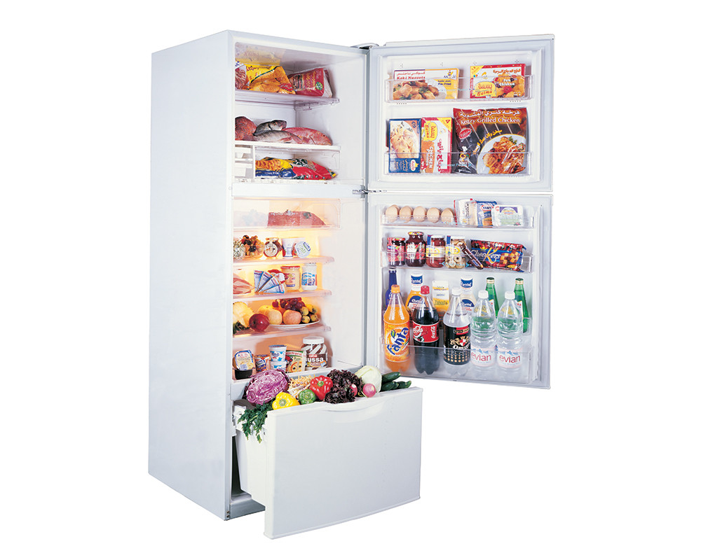Toshiba 3-door refrigerator with a capacity of 340 liters white color Nufrost GR-EFV45-W